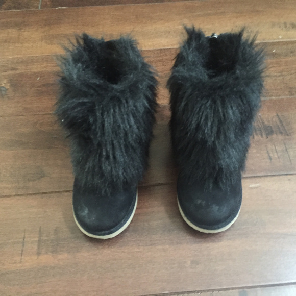 GAP Other - Baby GAP Size 8 Faux  Fur Zippered Boots Black
